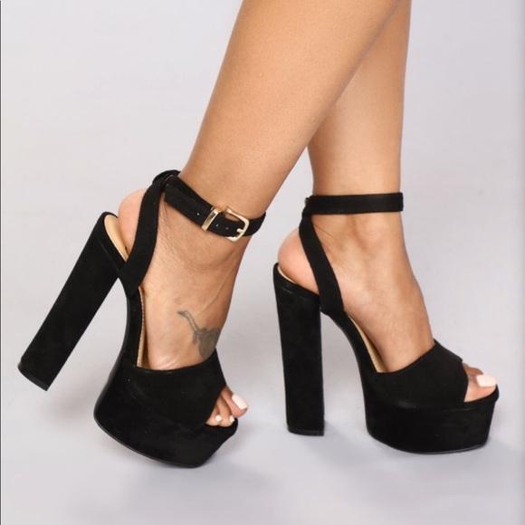 authentic quality detailing discount sale Black platform heels NWT